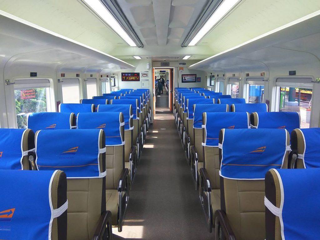 Gerbong Kereta Api Ekonomi Argo Parahyangan
