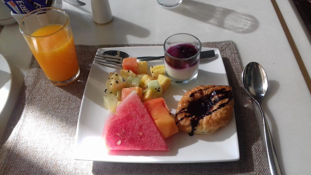 Breakfast in Century Park Hotel, Jakarta