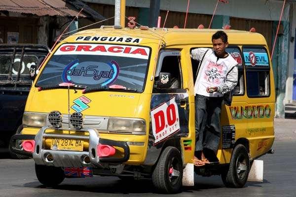 Angkutan Kota di Kupang