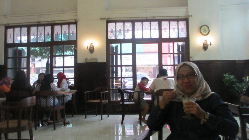 Interior Toko Oen Semarang