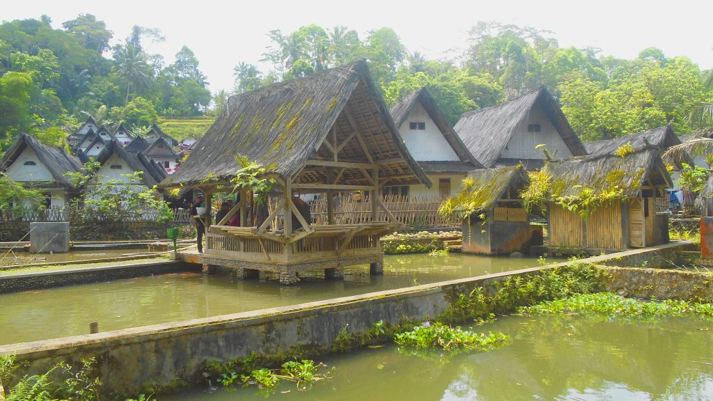© Budaya Kampung Naga Tasikmalaya